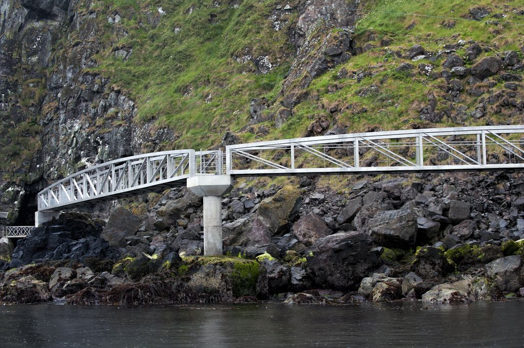 The-Gobbins-lead