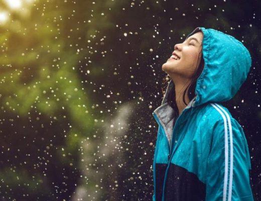 Waarom wandelen door de regen gezond is?